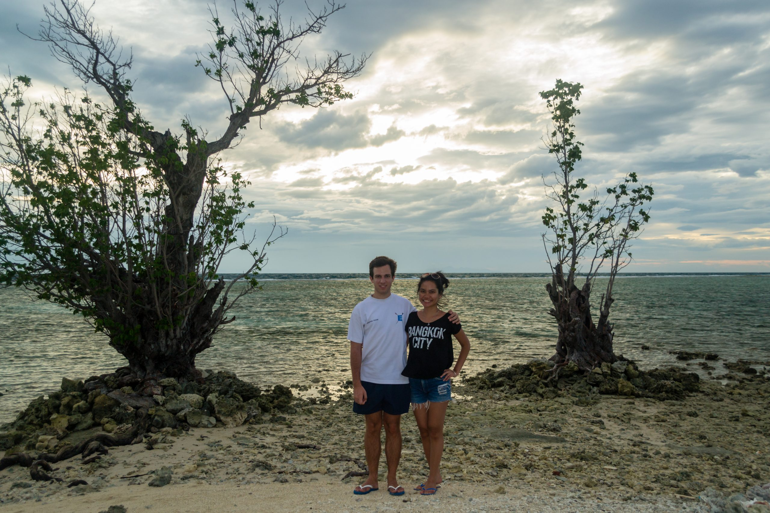 (Pulau Tidung, Thousand Islands, Indonesia) Two Student Travelers find each other and the most beautiful beaches.