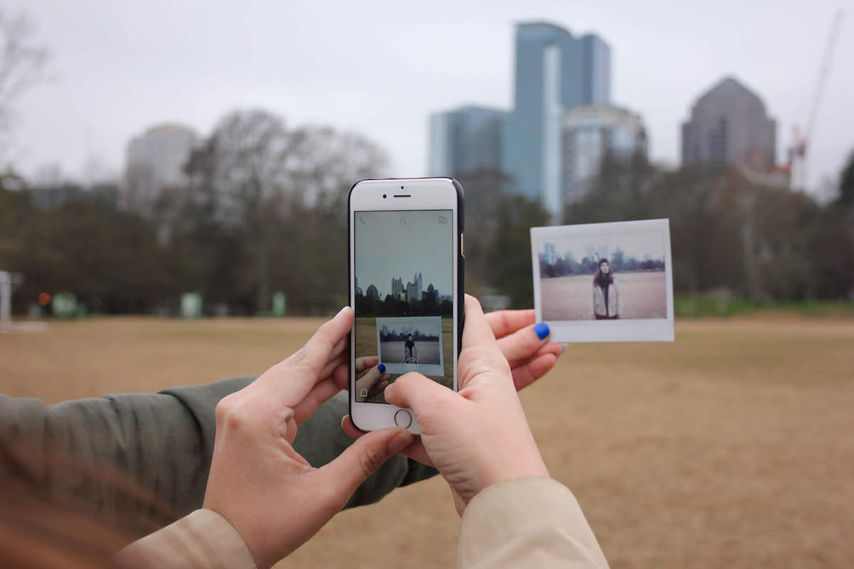 Traveling in the Social Media Age